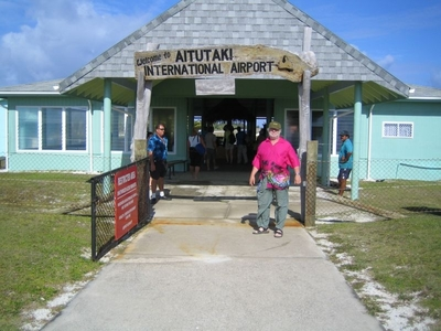 Photo of Aitutaki Airport by Werner Heise