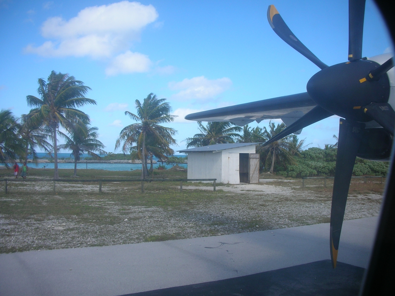 Photo of Arutua Airport by Patrick Boy
