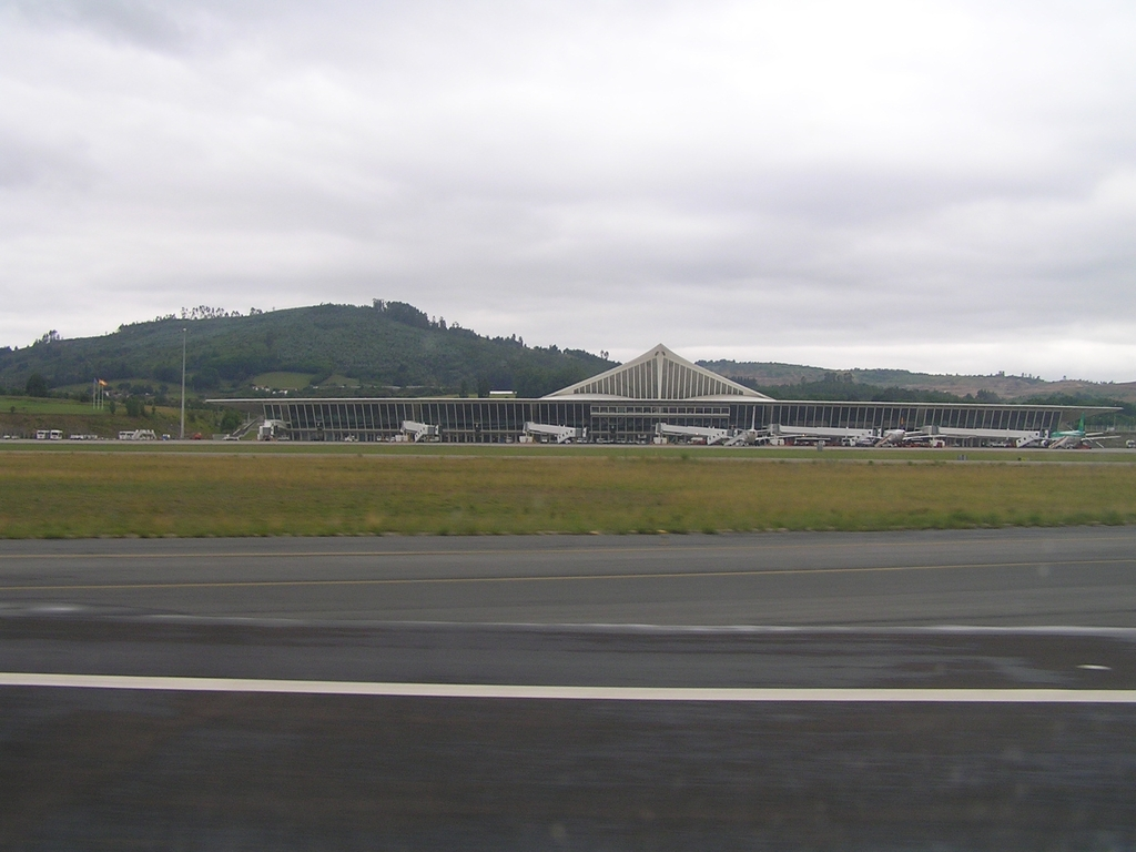 Photo of Bilbao Airport by Maciej Matysek