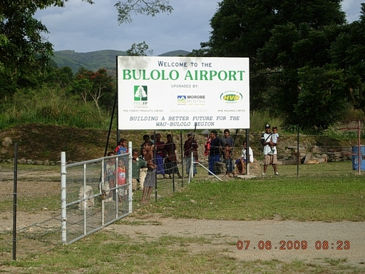Photo of Bulolo Airport by Orhan Birincioglu