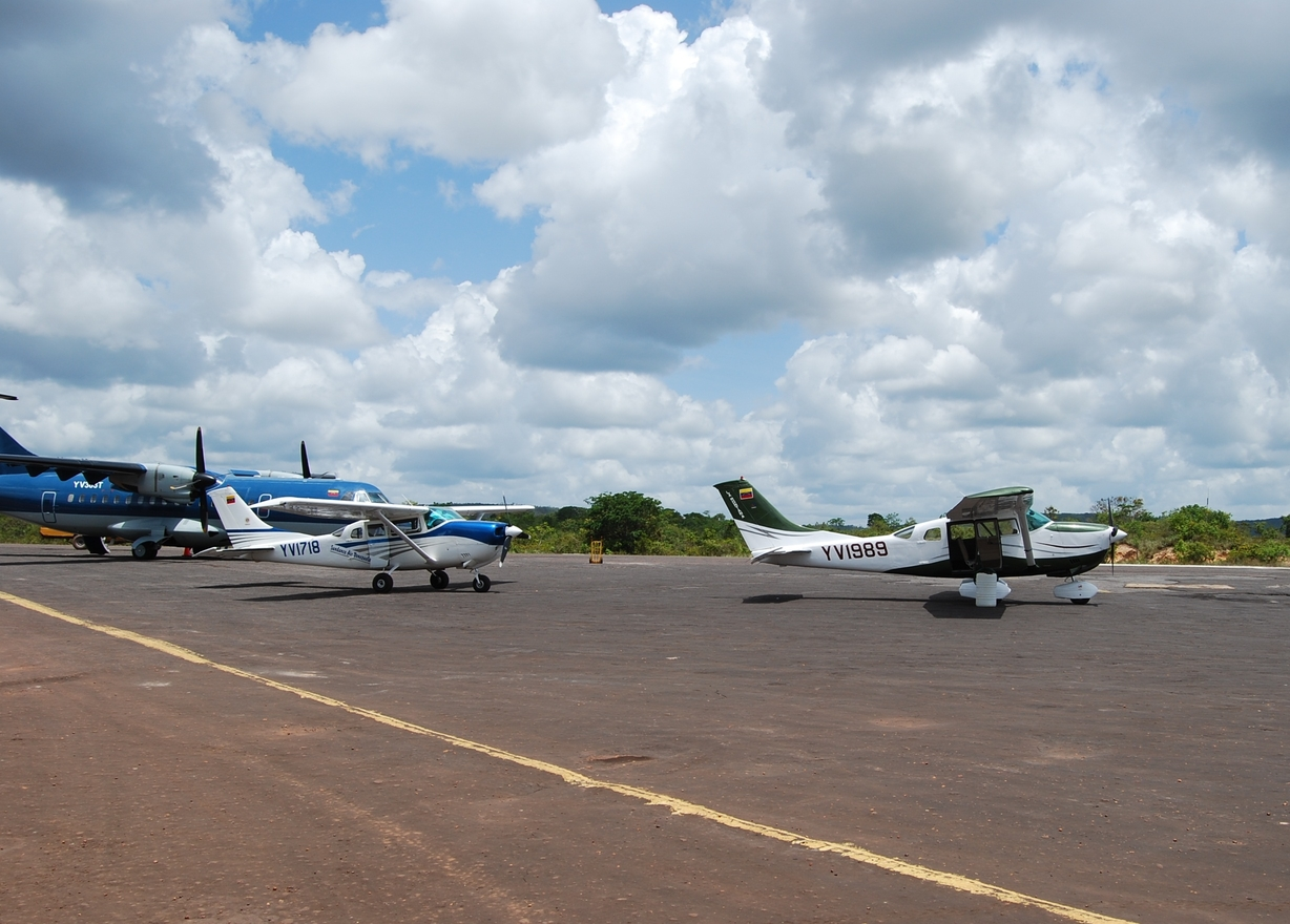 Photo of Canaima Airport by Alfredo Copland
