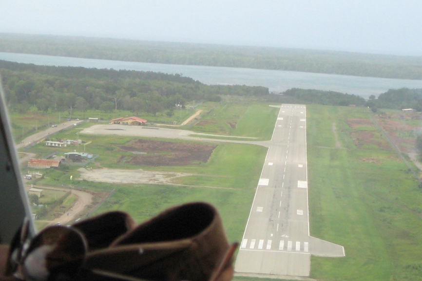 Photo of Daru Airport by Michel Renard