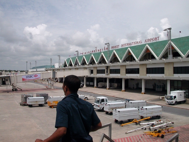 Photo of Phuket International by Basile Baron