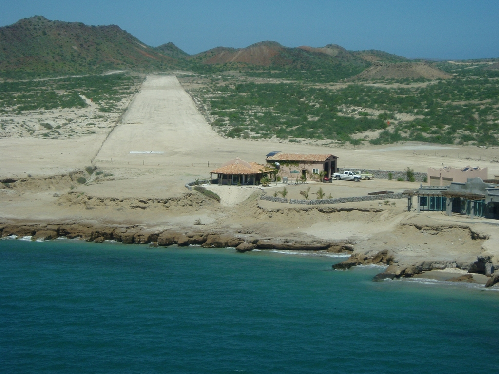 Photo of Punta Chivato Airport by Jim Weidler