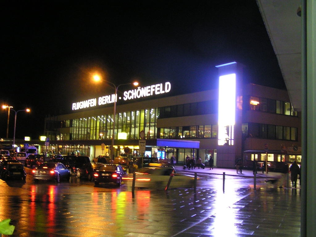 Photo of Berlin-Schönefeld International Airport by Maciej Matysek