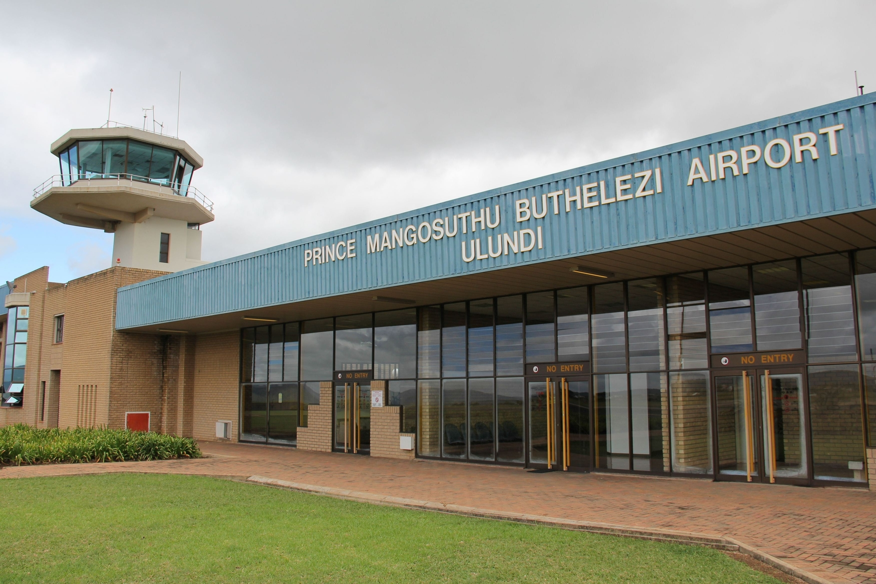 Photo of Prince Mangosuthu Buthelezi Airport by Lesley Schroeder