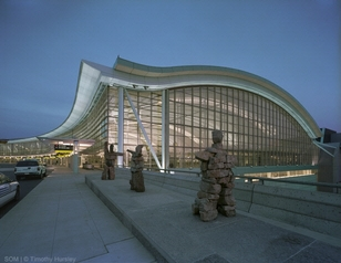Photo of Lester B. Pearson International by Alexander Cortez